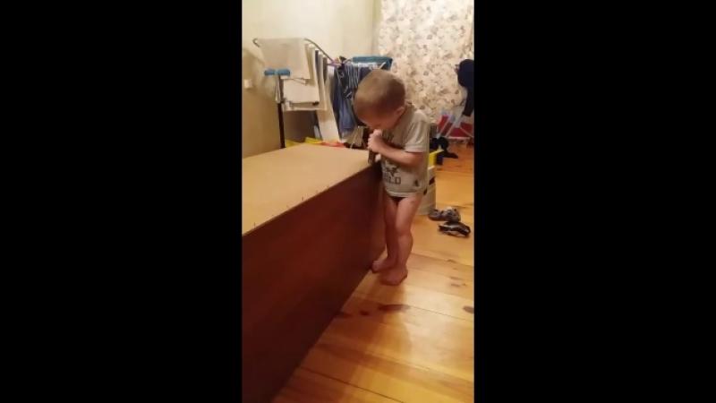 Тимофей (3 года) - мастер на все руки - сынок_ толкового_ папы