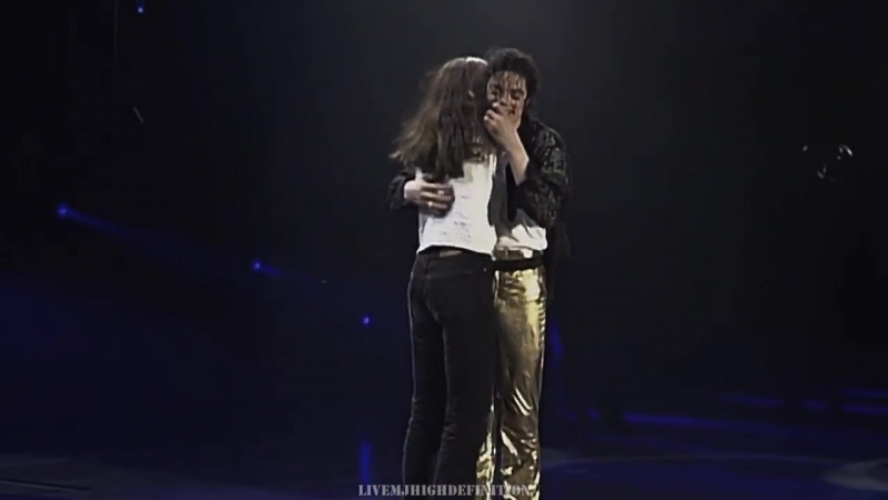 Michael_Jackson_-_You_Are_Not_Alone_-_Live_Munich_1997_-_Widescreen_HD.mp4