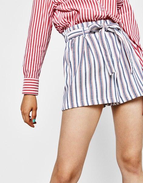 Приталенные шорты с завязывающимся поясом