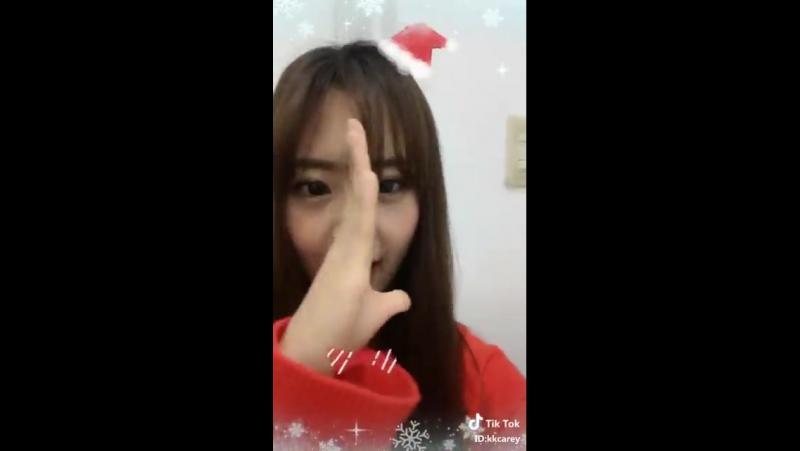 [TIK TOK] Hyeyeon: THEUNIMerryChristmas. 2017.12.25