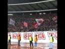 Црвена Звезда !! Фанаты поют Спартаковскую кричащему