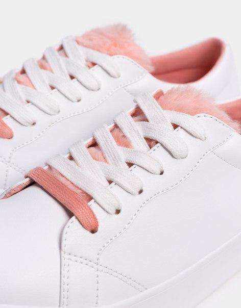 Кроссовки со шнуровкой и деталью из искусственного меха