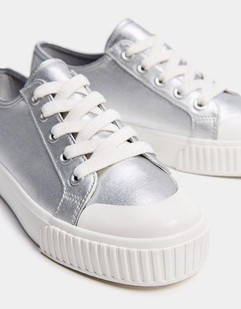 Кеды с металлизированной отделкой и резиновой деталью на носке