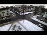 Велосипедист передвигается по перекрестку ул. Мурманская-Советская