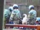 Спецназ успокаивает бунт в тюрьме