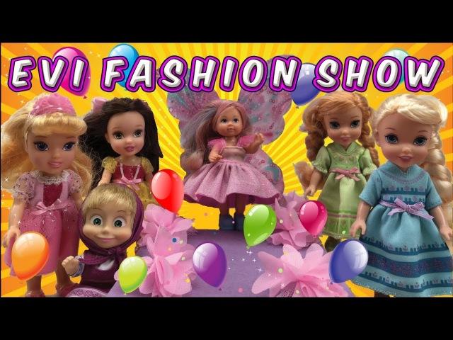 Elsa and Anna help Evi with her fashion show - Evi Fashion show