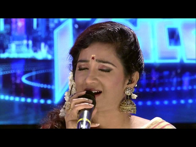 Shreya Ghoshal singing Mhara Re Giridhar Gopal (Meera Bhajan) in Indian Voice Mazhavil Manorama