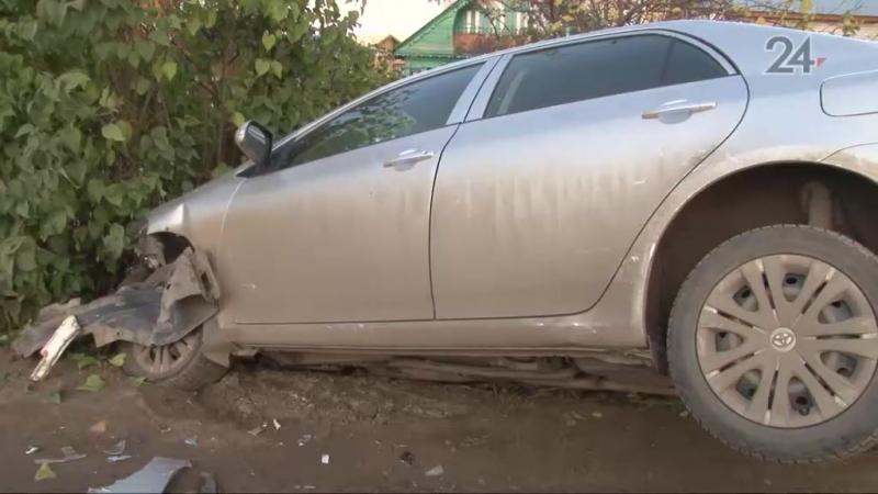 авария в салмачах, автомобиль улетелв кювет Toyota