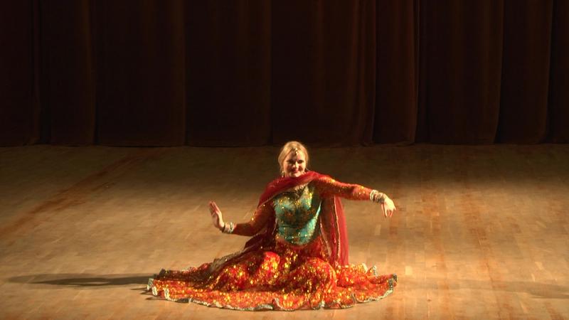 Bollywood dance fest -2017. Anna Sirgiia Laal dupatta. ZDstudio Dance. Choreography by Zarema Boikova.