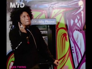 marilyne_moiI can hear that voice all day, I mean Larry's voice of course 😁 (Video from Telemundo) #lestwins #lestwinson #lestwi