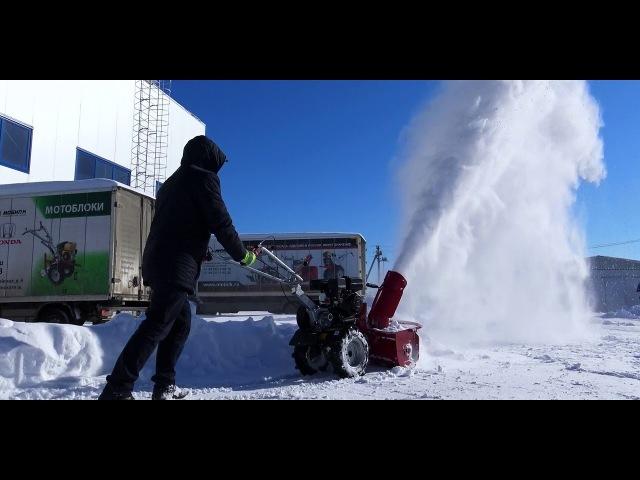Мотоблок Мобил К МКМ 3 с навесным снегоуборщиком Мобил К СМ-0,6