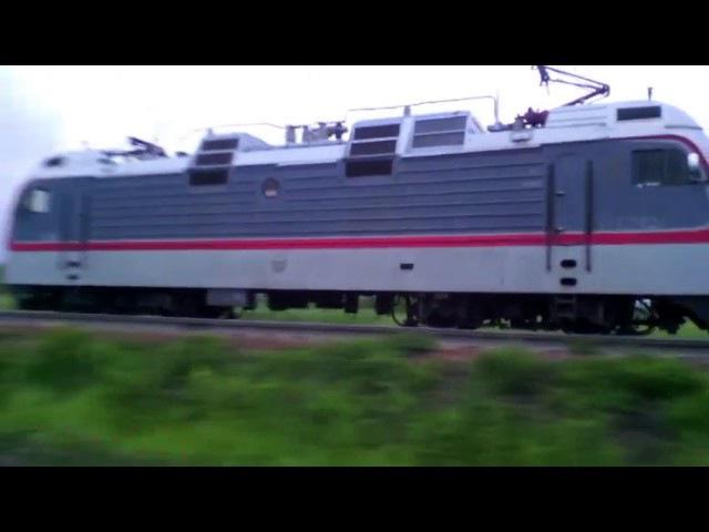 Электровоз Э5К-006 с вагоном дефектоскопом и тепловозом 2ТЭ116-1447.