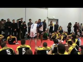 Учебное видео Маурисио Руа [клинч муай-тай]