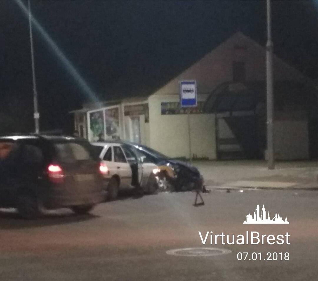 ДТП на Пионерской с участием такси: кто кого не пропустил?