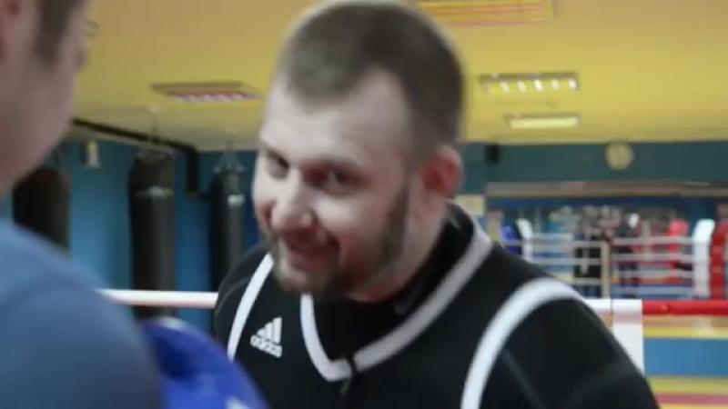 14TV - Школа бокса и кикбоксинга - Смещение с линии атаки.mp4