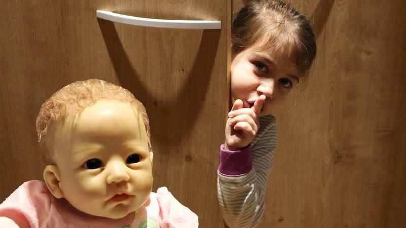 Эмилюша с Куклой Реборн Reborn Silicone Лизой играют дома в прятки! Кто смог лучше спрятаться?