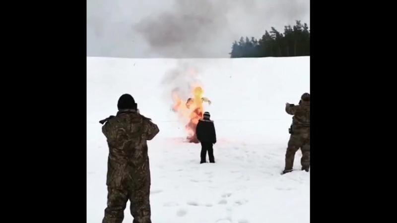 Сжигание чучела на Масленицу