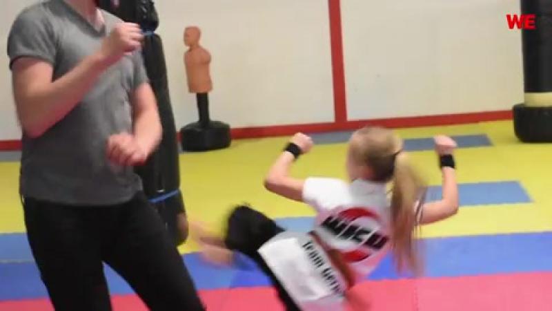 Reporter-attackiert-9-jaehriges-maedchen-und-wird-uebel-verdroschen-denn-sie-ist-dreifache-kickbox-weltmeisterin