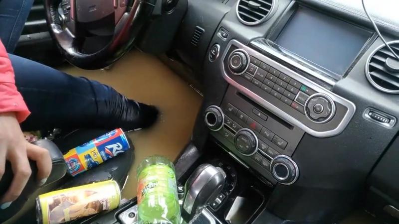 Как утопить Land Rover Discovery 4.Lexus LX 470 offroad. Брод.mp4