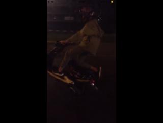 Yamaha vino x gilera runner stunt in night Moscow.