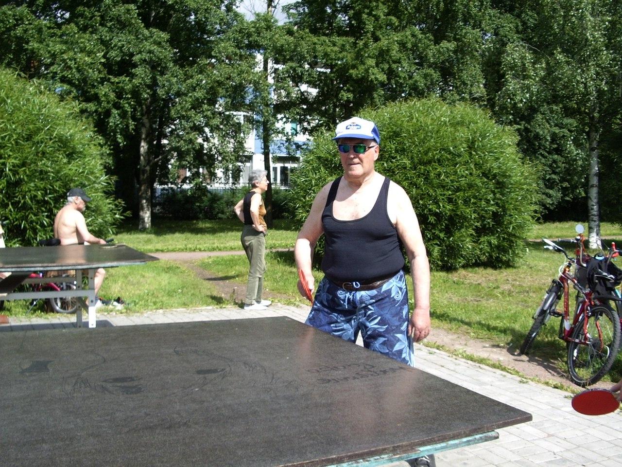 Настольный теннис на свежем воздухе