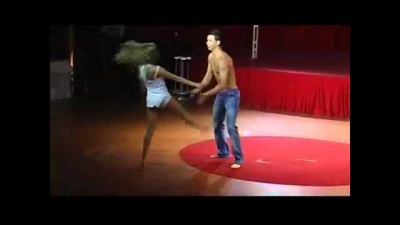 Duo Wind acrobats presented by Linda Dorj Artists
