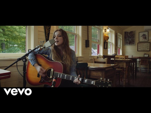 Jade Bird - Grinnin In Your Face (Son House Cover)