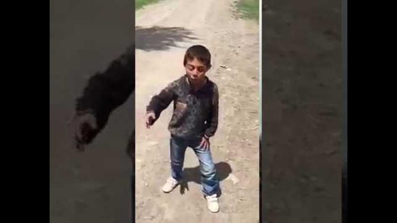 Bu çocuk süper muhteşem potpori peş peşe hemde kuru sesle