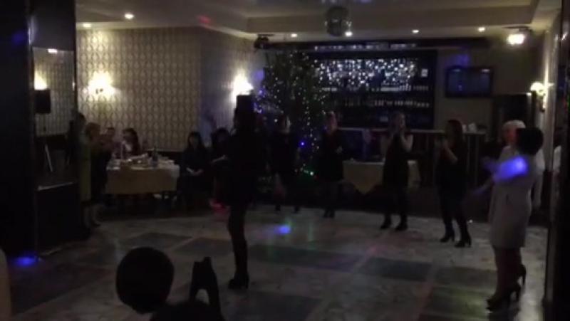 Танцуй пока молодая😇😁😂🎵