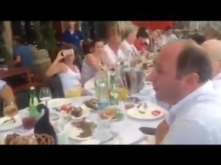 Вот как надо петь русские песни (поют грузины)