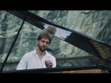 Невероятные кадры! Игра на рояле посреди Мраморного карьера!