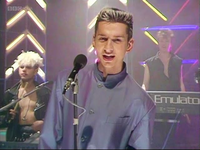 Depeche Mode - Shake The Disease 1985 (HQ, Top Of The Pops)