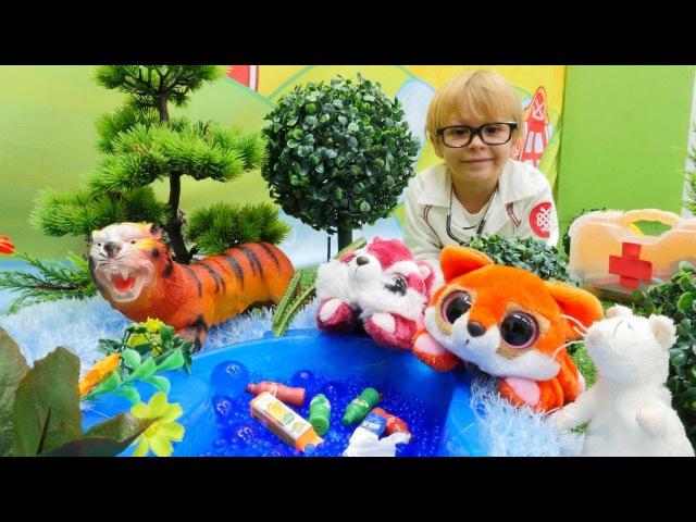 Doktor Daniel! Ormanda BÜYÜK zehirleme! Hayvan doktoru oyunu! Oyuncak hayvanlar. Hasta oyunu