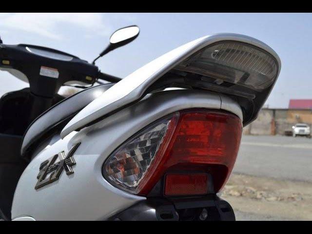 Honda Dio-ZX 2. AF-35(литьё,спойлер,гидро-вилка), серебро.