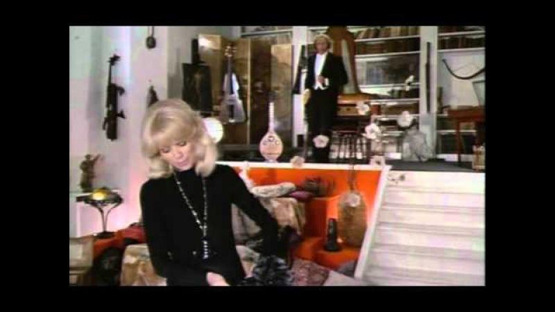 Nice black Dress (Le Grand blond avec une chaussure noire.1972.France).avi