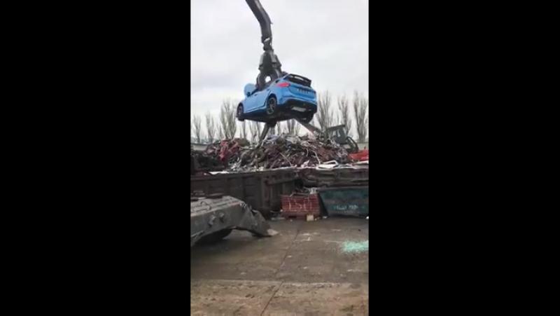 Утилизация «заряженных» Ford Focus RS и ST