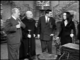 S1E19.The.Addams.Family.Splurges