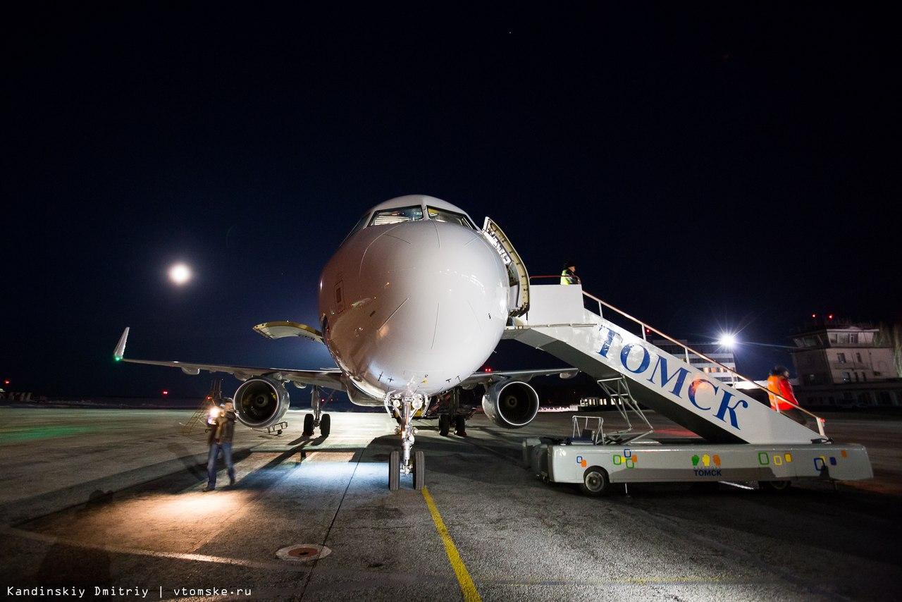 Самолет Томск-Москва вынужденно сел в Сургуте. Пассажиру стало плохо