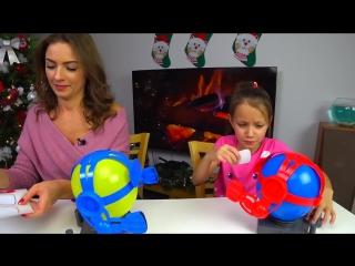 Balloon bot battle челлендж битва взрывных ботов вика против мамы challenge ___ вики шоу
