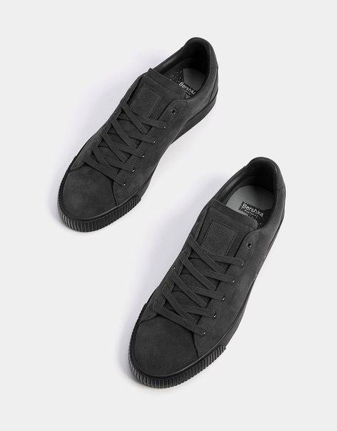 Мужские кроссовки из однотонной ткани