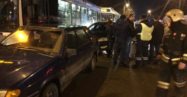 Лихач на«Шкоде» устроил массовое ДТП вКалуге