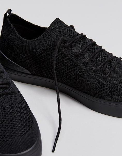 Однотонные мужские кроссовки