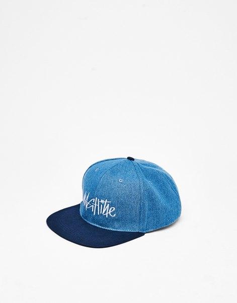 Джинсовая кепка с вышивкой