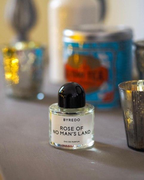 Магазины косметики и парфюмерии Лучшие посты в социальной сети  Почему роза так выделяется в парфюмерии среди всего остального Даже если вы считаете что роза вам не нравится уверяем что в паре ваших ароматов она
