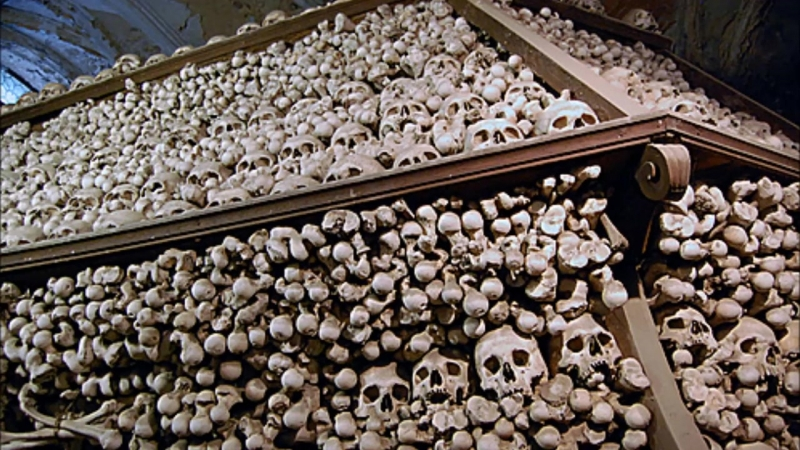 Creepy Churches Made of Bones. Колонны из черепов, костей людей, архитектура