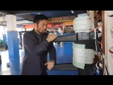 Мастер Кёксульдо (8 дан) - Нам Ки Сук . Показательная работа на деревянном манекене-МУНГ-ДЖУНГ.