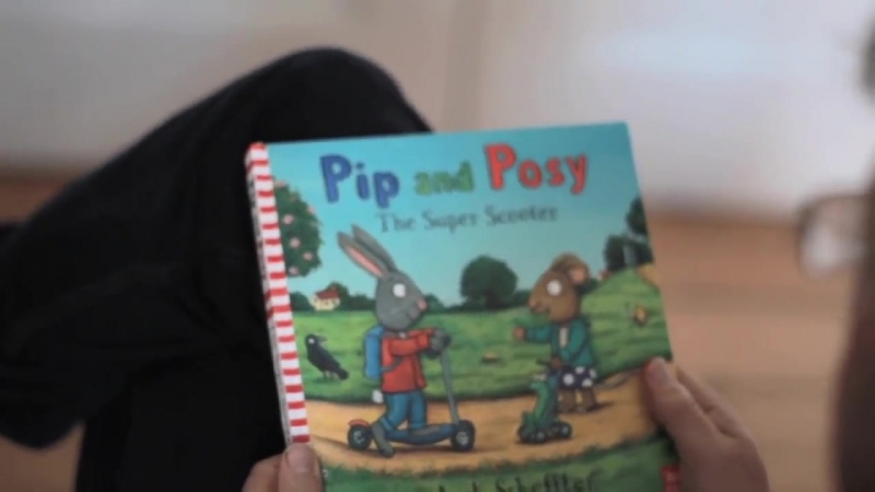Illustrator Axel Scheffler reads from his new book Pip and Posy_ The Super Scooter