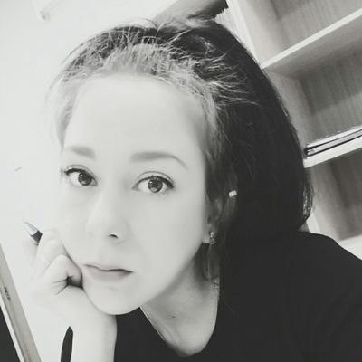 Елена Михалицына