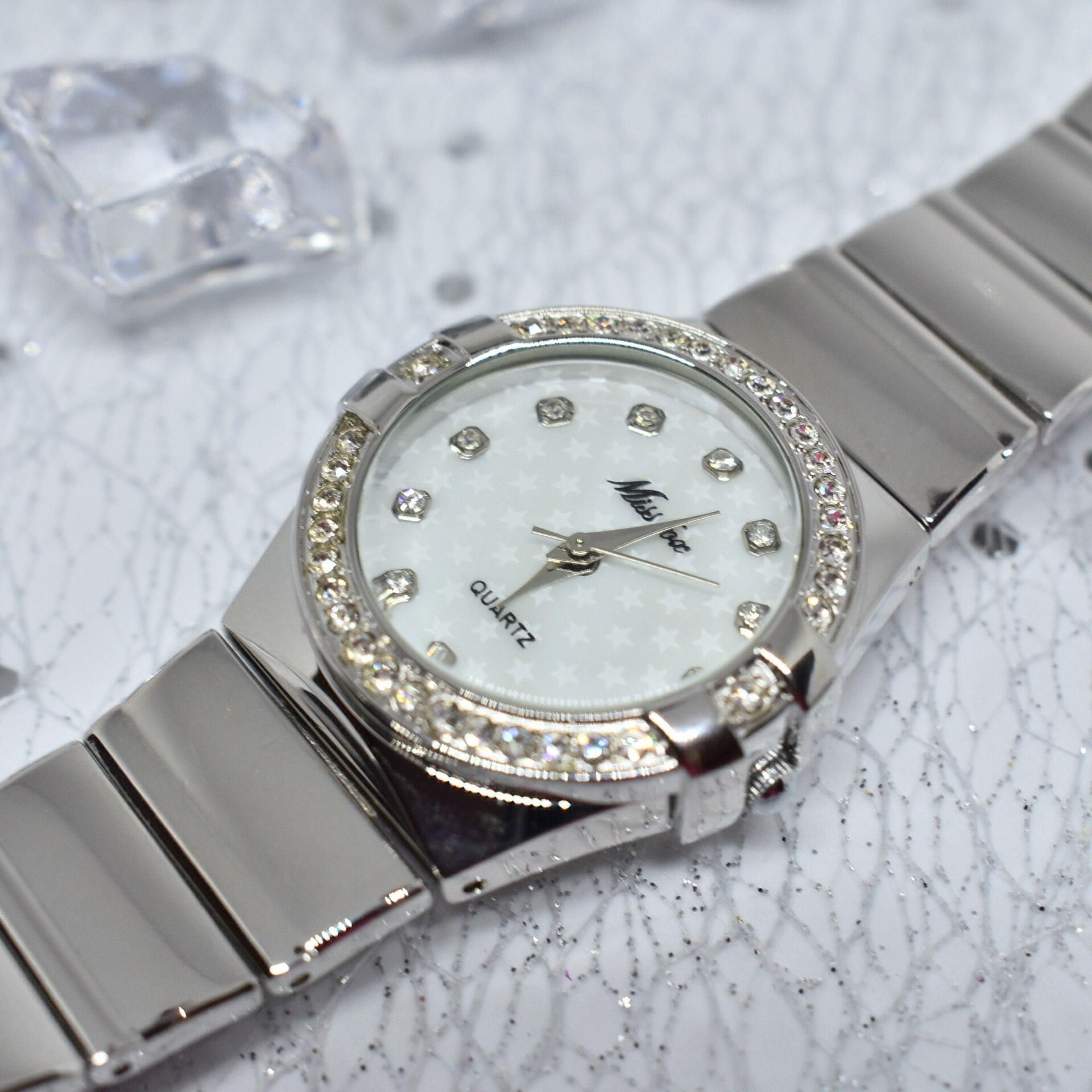 Привет-привет У меня есть новый обзор на невероятно красивые часики из магазина MISSFOX CORPOR Store Девушки эти часы на