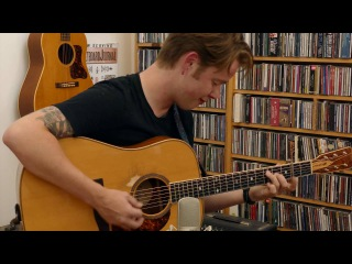 Billy Strings Flatpicking Medley on his 2009 Roy Noble Dreadnought